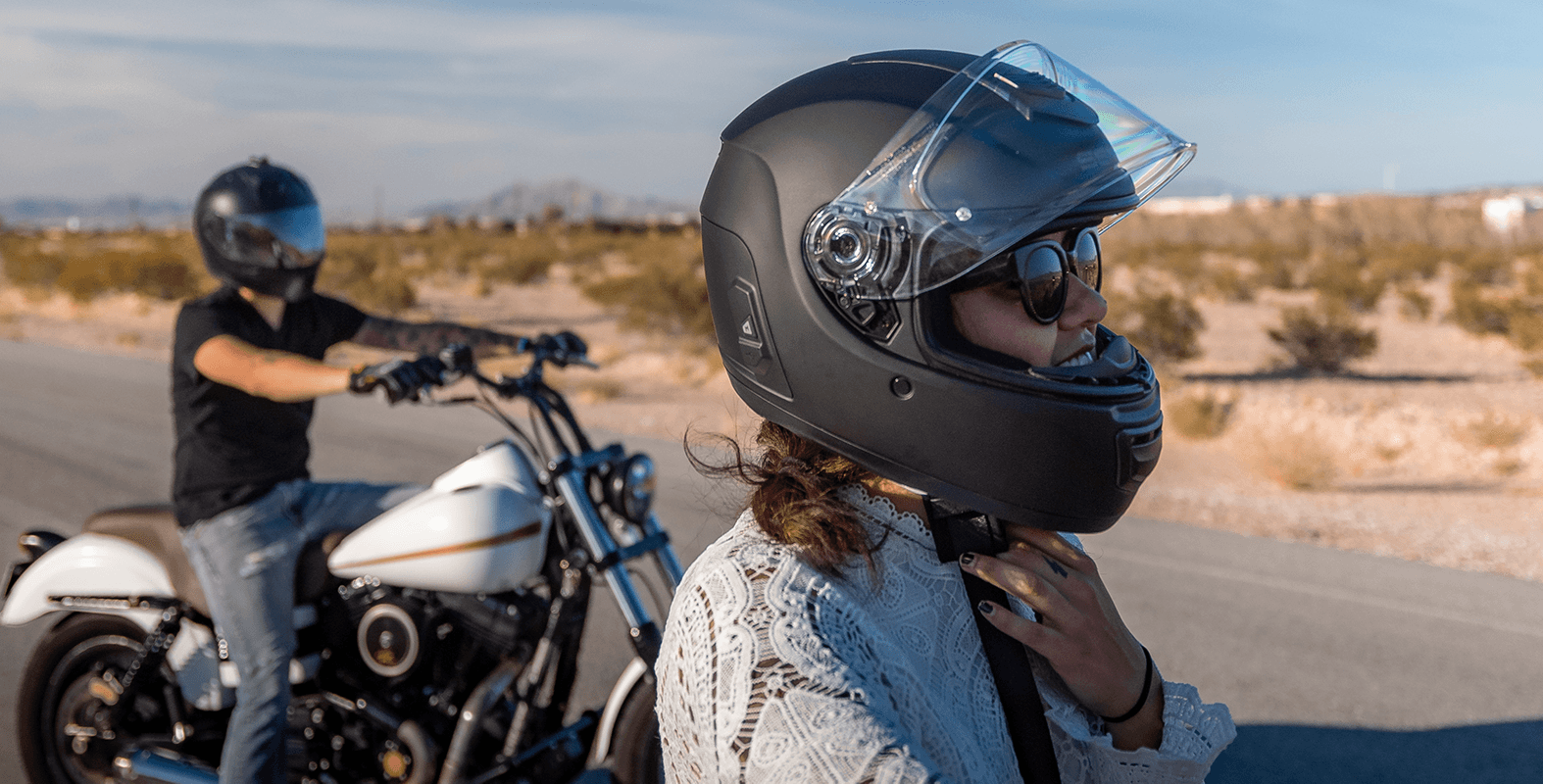 Sena-Motorcycle-Smart-Helmet-Momentum-EVO-activity-segment